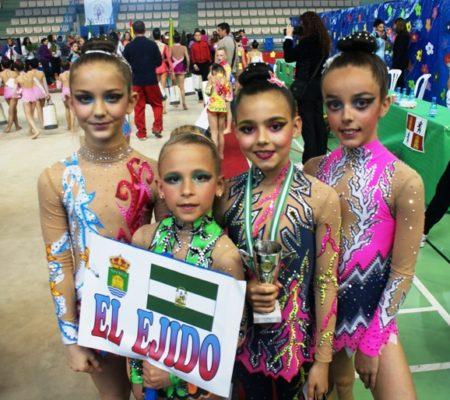 Gimnastas ejidenses en la competición de Armilla