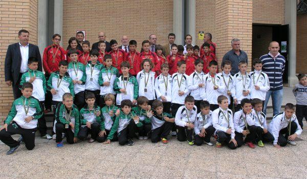 Entrega de medallas a los ganadores del Torneo de Fútbol Base de la Ual