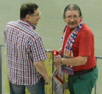 La afición coreó a Santiago Acasiete antes de que se marchara con Perú
