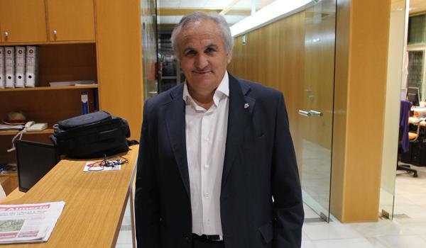 El presidente de la UD Almería ve con impotencia la marcha de su equipo