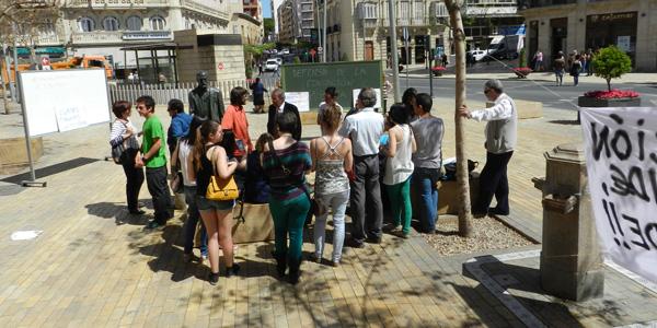 Alumnos de la UAL acompañados por Nicolás Salmerón