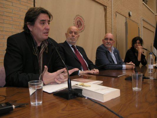 Luis García Montero en el homenaje al poeta Angel González
