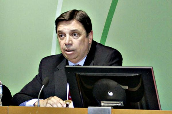 Luis Planas, consejero Agricultura