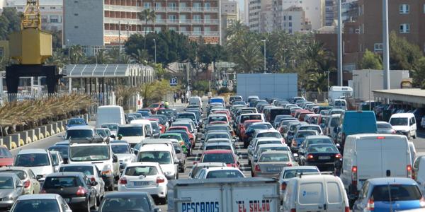 Ante la normativa del ROA los conductores buscan la alternativa del puerto de Almería