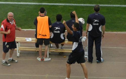 El personal de Almería celebró un supuesto gol de Natalio para el Numancia ante el Alcorcón
