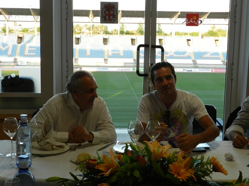 La gira acústica de David Bisbal ha tenido su parada para ayudar a la UD Almería