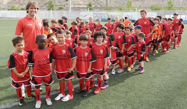 La segunda edición del Campus de Fútbol de la UD Almería ha contado con la inauguración de Corona