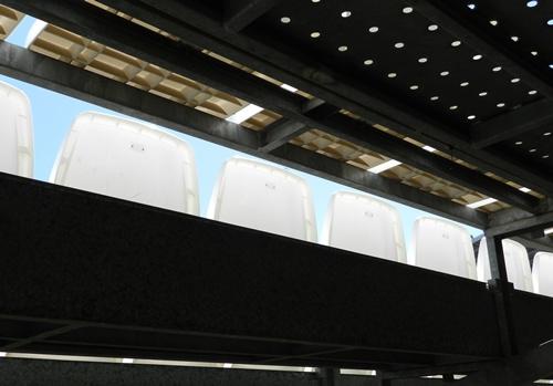 El traslado de gradas supletorias en el Estadio de los Juegos Mediterráneos aproximará al público al terreno de juego