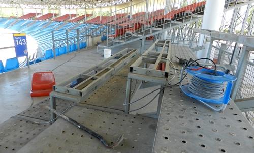 No es necesario utilizar demasiado material para el desmontaje de las gradas
