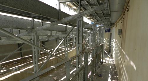 La construcción del Estadio de los Juegos se proyectó con servicios a pie de pista