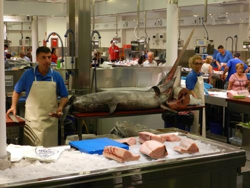 La planta sótano de 'La Plaza' de Almería se dedica, como antes, al pescado, y además habrá un supermercado El Árbol
