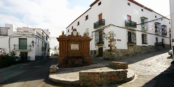 La Alpujarra almeriense está compuesta por 31 municipios, entre los que se encuentra Fondón