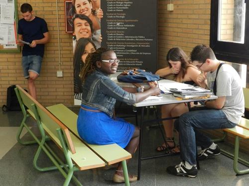 Los Aularios I y II del campus de La Cañada de la UAL son históricos en cuanto a la Selectividad