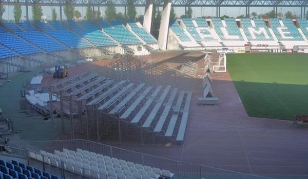 La UD Almería ubica gradas supletorias tras las porterías del Estadio de los Juegos Mediterráneos