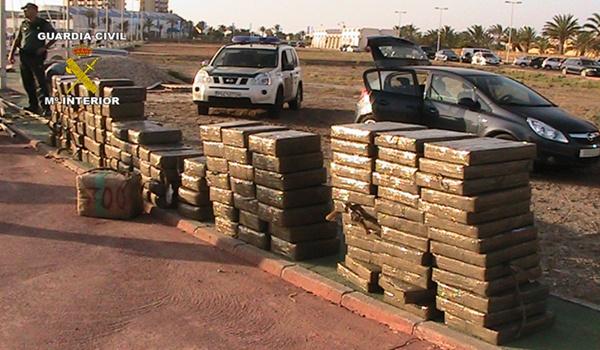 Más de tonelada y media de hachís desde Almería a La Manga (Murcia) en un barco
