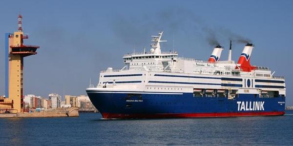 La Operación Paso del Estrecho se ha venido abajo alarmantemente en el Puerto de Almería