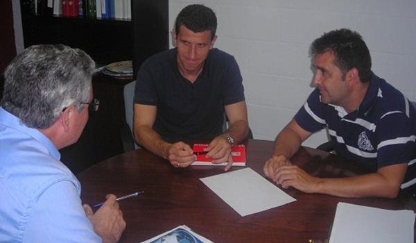El entrenador de la UD Almería se ha adelantado a sus jugadores y Javi Gracia ya está en la ciudad