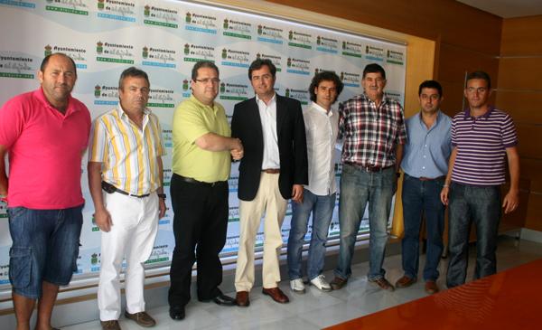 El Ayuntamiento y el Club Deportivo El Ejido firman un convenio que fomentará el deporte como motor de cohesión y desarrollo social