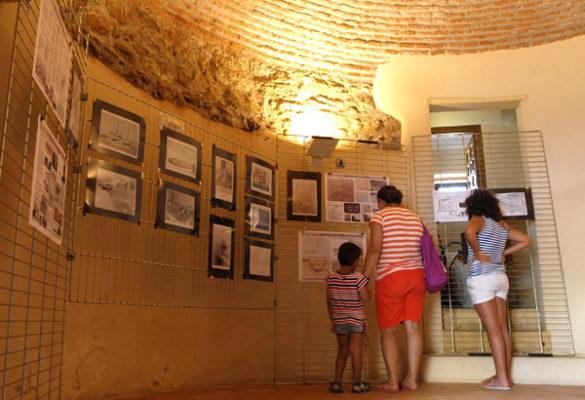 Mil personas disfrutan de la Jornada de Historia de Balerma en la Torre