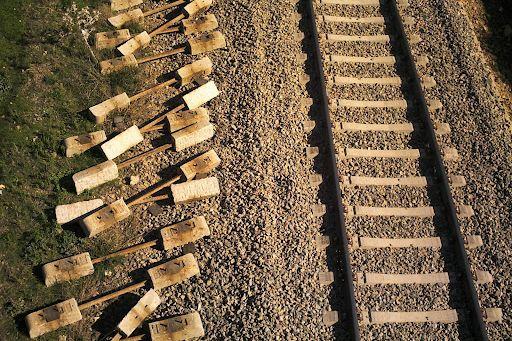Línea férrea
