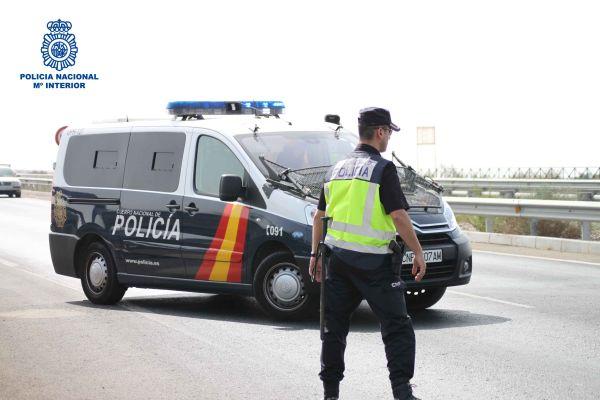 Dos menores, detenidos en Almería por cuatro atracos con violencia