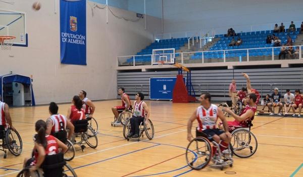 El baloncesto va 39 sobre ruedas 39 cuando se juntan el cludemi y el cb almer a almeria 360 - Baloncesto silla de ruedas ...