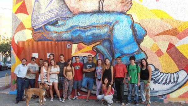 El arte urbano, presente en el barrio de Los Almendros por el Día del Pueblo Gitano
