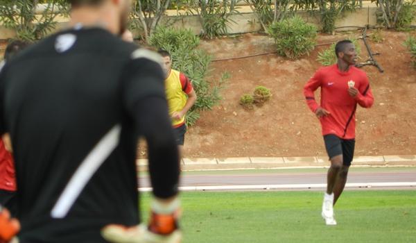 Los hombres de la UD Almería se han aclimatado a entrenar con el temporal