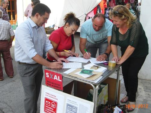 Recogida de firmas para la Iniciativa Legislativa Popular