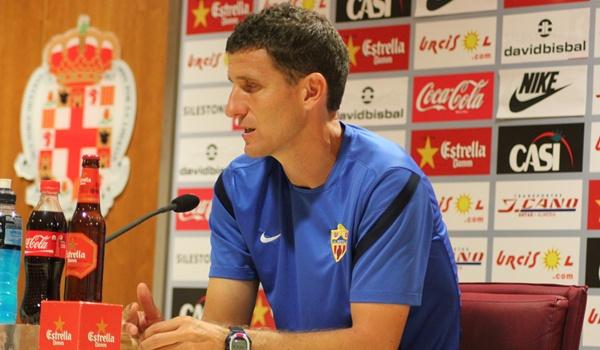 El míster de la UD Almería fue jugador del conjunto cordobés, como Charles