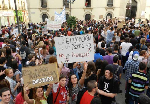 Protesta estudiantil en Almería sin incidente alguno