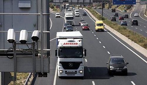 Los transportistas exigen a Tráfico que aplique el margen de error en las sanciones por velocidad