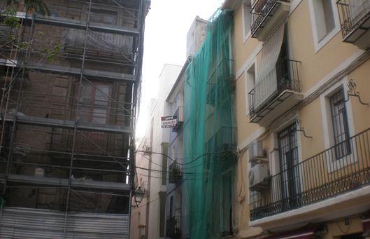 78 comunidades de vecinos de Almería solicitan ayudas para rehabilitar sus edificios