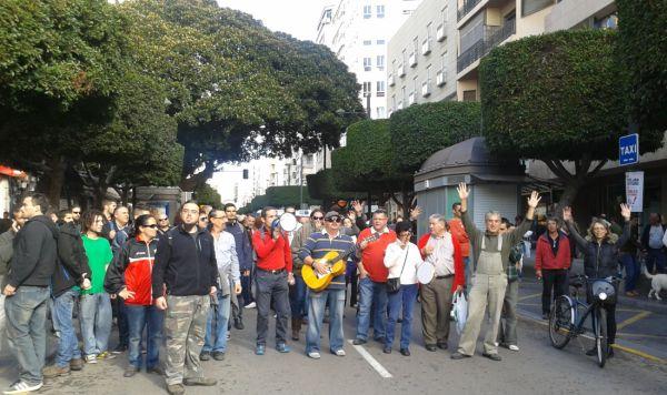 El 15M Almería convoca 'inocentada nacional' en la Plaza del Educador