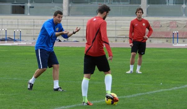 La UD Almería visita al Elche CF con la intención de acercarse al liderato de la Liga Adelante