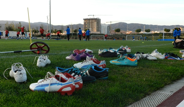 La UD Almería va al asalto de la segunda vuelta de la Liga Adelante buscando incorporaciones