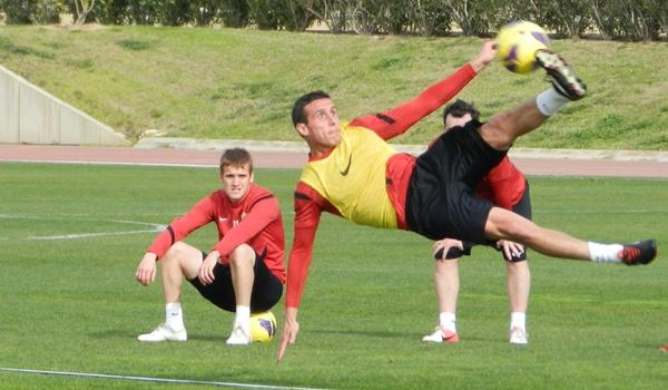 El lateral de la UD Almería volvió a ser titular contra el Girona y ahora espera serlo ante el Villarreal