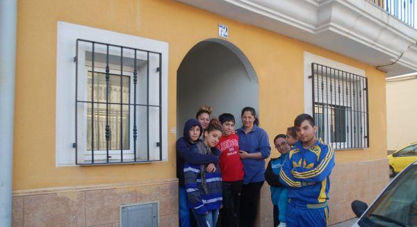 Denuncia contra las doce familias okupas del Cerro de San Roque en Berja