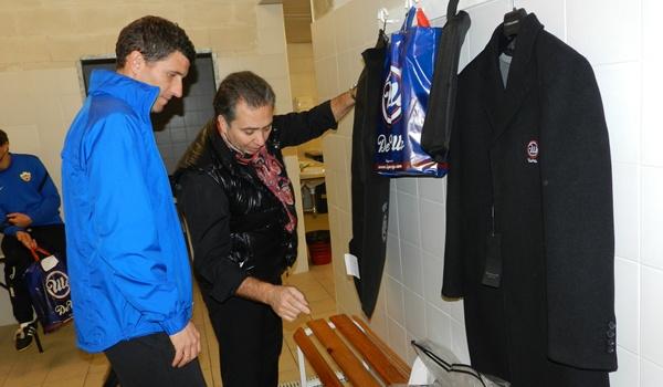 El entrenador de la UD Almería estrenará traje ante el Girona en Liga Adelante