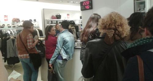 Muchos compradores en los comercios de Almería con motivo de las rebajas