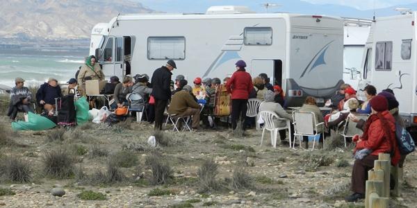 Almería negocia con el sector un impulso al turismo de camping y caravanas
