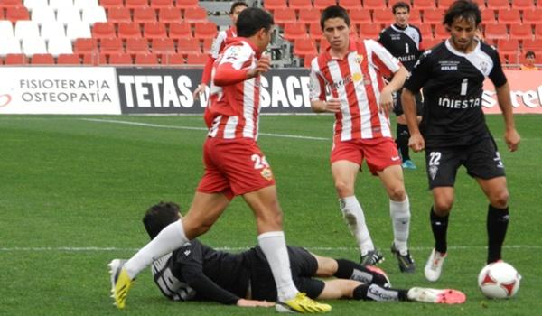 El Almería B venció al equipo de La Mancha en Segunda División B