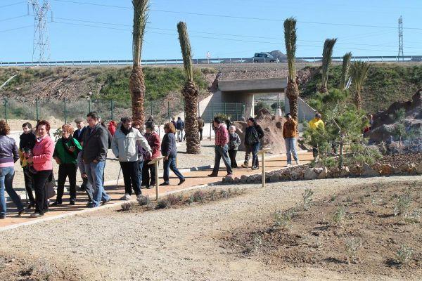 Los pulpile os ya disfrutan de su jard n bot nico for Jardin botanico almeria