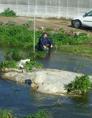Agricultor en la Rambla El Cañuelo
