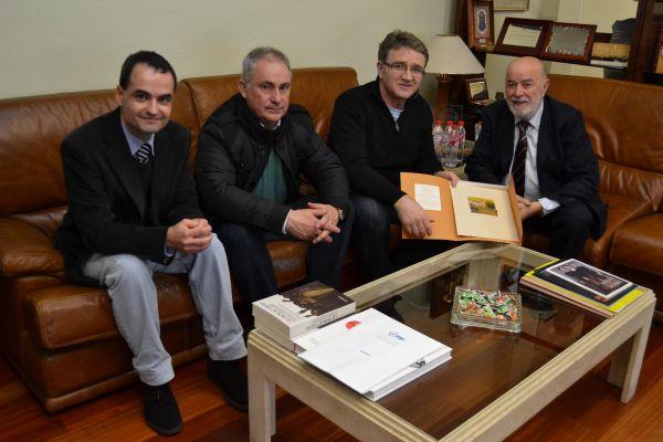 Encuentro de los investigadores de la Universidad de California con el director de BITAL Rafael Lozano y el rector de la UAL
