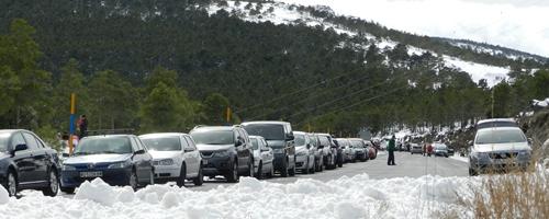 Sierra Nevada con mucha nieve entre Almería y Granada