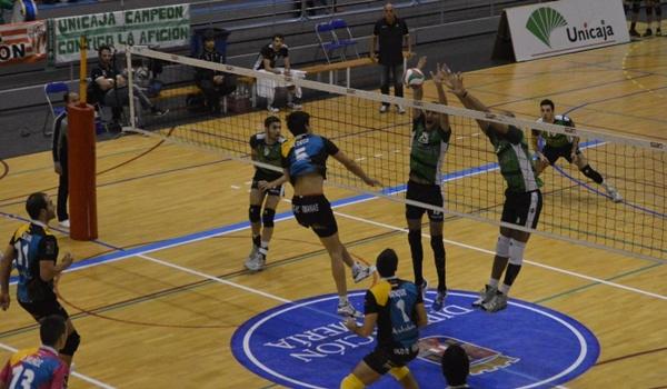 Última jornada de la Superliga de voleibol de España con interés en Almería y Sevilla