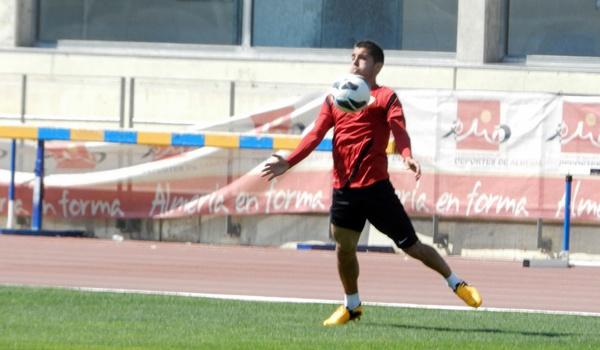 El jugador de la UD Almería confía en el ascenso de su equipo a la Liga BBVA