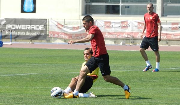 El Almería pierde ante el Mirandés y tiene una final ante el Numancia en Liga Adelante