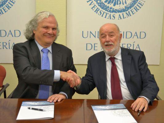 firma convenio ual y abogados familia